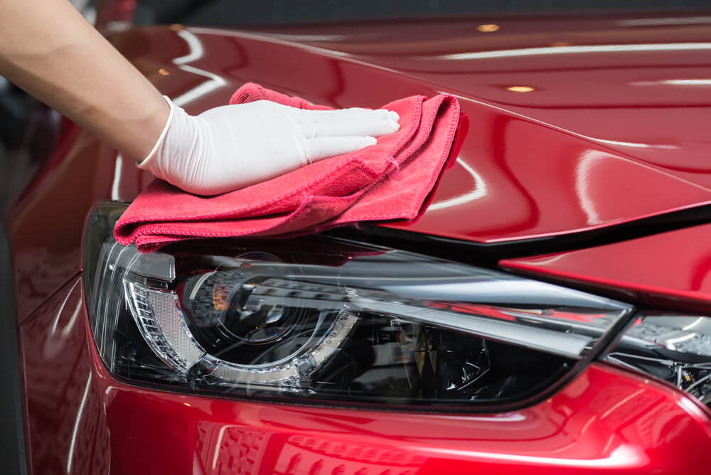 what does auto detailing consist of