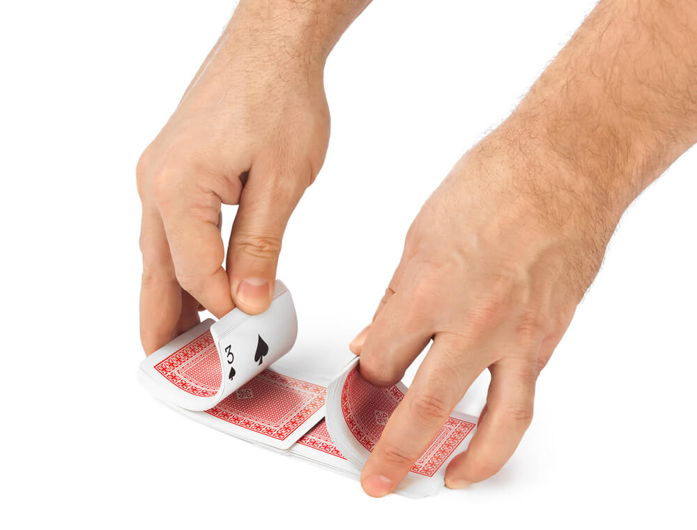 HOW TO SHUFFLE A DECK OF CARDS LIKE A MAGICIAN